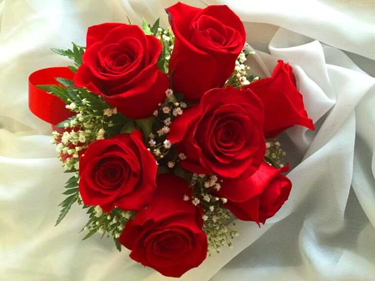 Bouquets a little white wedding chapel select an excellent bouquet for your wedding today mightylinksfo